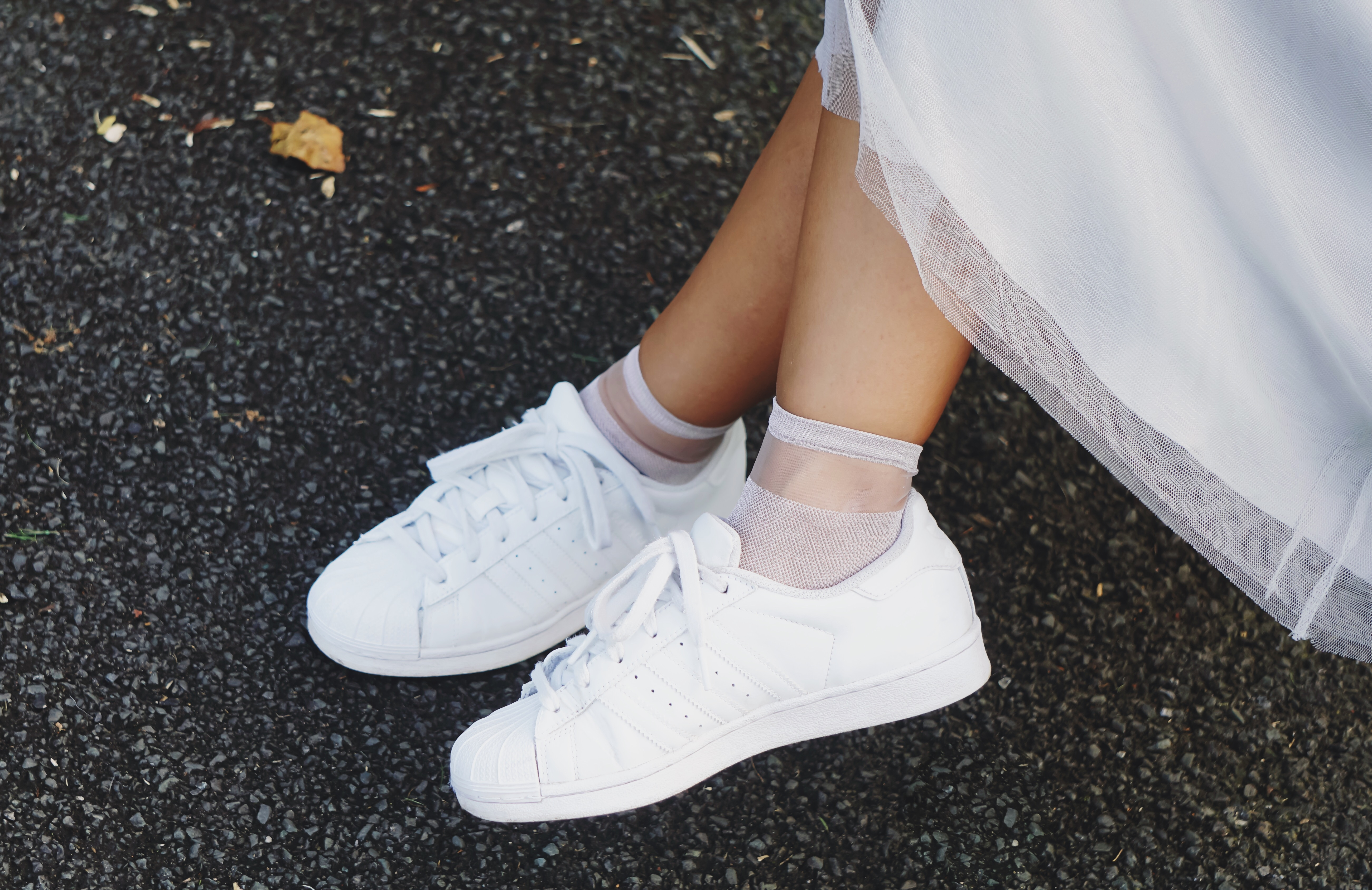 adidas originals Pharrell, hyphy hip , tulle skirt , HyphyHip, RayBan, reiss, fashion blogger , ootd, outfit post